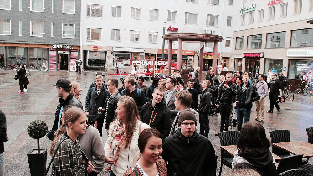 Startup Crawl familiarizes students with different Oulu-based companies. This picture is from autumn 2015.