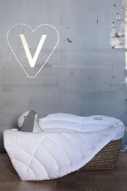 vividgrey-babyleaf-white5.jpg