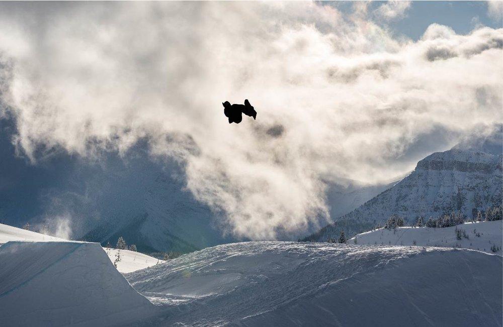 SNOWBOARD KICKER.jpg