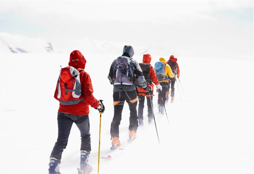 GROUP GOING INTO POWDER.jpg