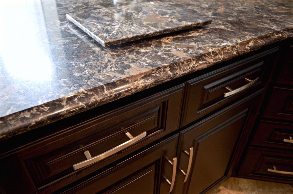 dark-cabinets-dark-countertops.jpg