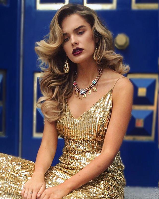 #VersaceVersaceVersace  BTS #90s #issue @frukmagazine  @pennold 💄 @chloelloyd 💋 @condrycalvinmlilo 📸  #90ssupermodels #hair #inspo @charliewilkinsonhair ✂️#gold #sequens #takeittotherunway #catwalk #90smodels #cindycrawford #naomicampbell #helenachristensen #carlabruni #inspiration #itsmonday #bighair #90shair #90shairstyle #gobig #london #hoxton #editorial