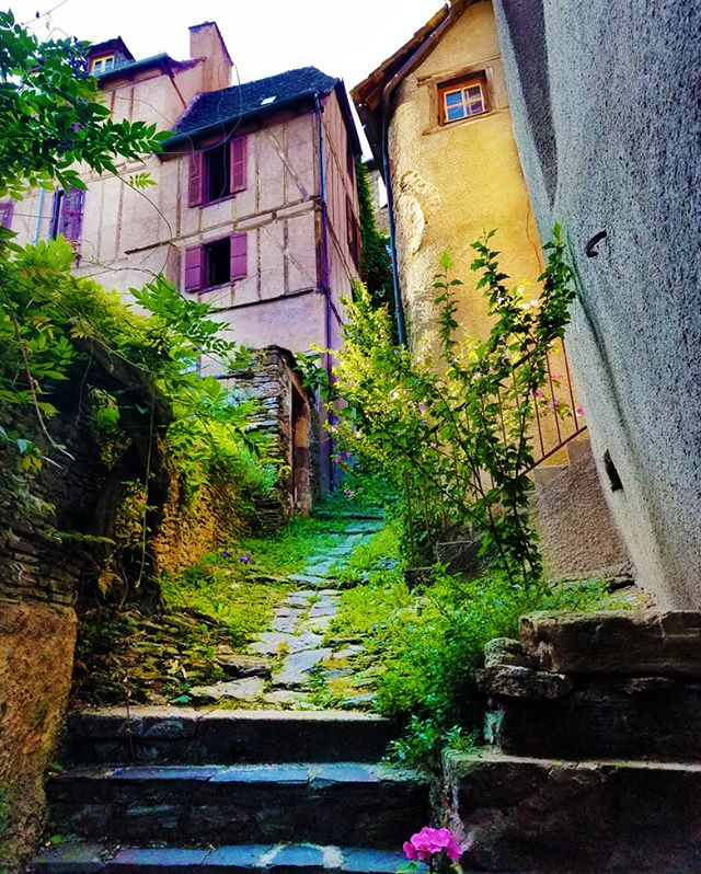 Eek! More cute alley ways in cute French villages! Sorry guys... we just can't get enough of these! #travel #instatravel #travelgram #tourist #tourism #instago #passportready #wanderlust #ilovetravel #instavacation #instapassport #postcardsfromtheworld #traveldeeper #trip #traveltheworld #igtravel #getaway #travelpics #wanderer #travelphoto #travelphotography #aroundtheworld #ig_worldclub #worldcaptures
