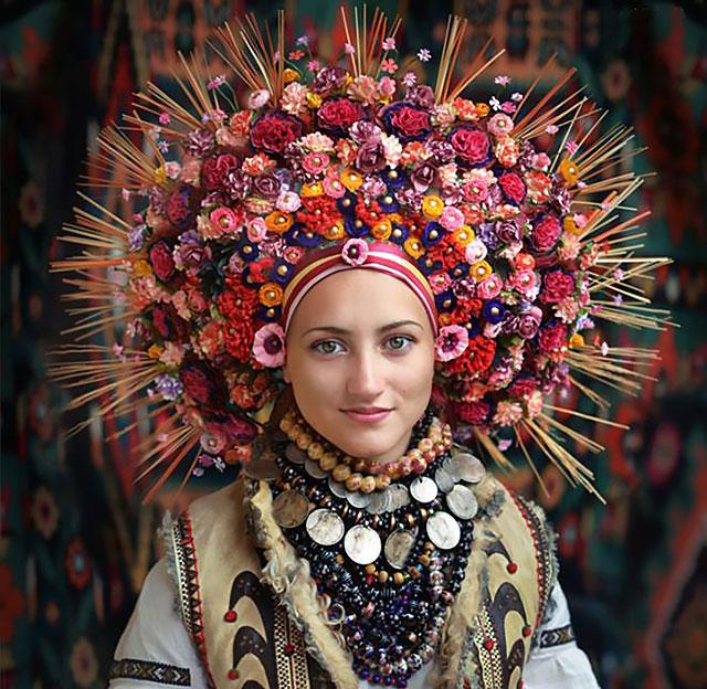 traditional-ukrainian-flower-crowns-treti-pivni-thumb640.jpg