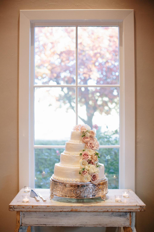 VJ-wedding-cake.jpg