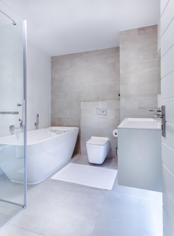 white-minimalist-bath.jpg