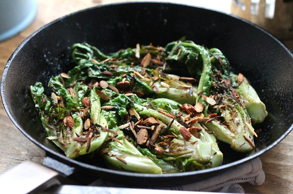 lettuce with almonds