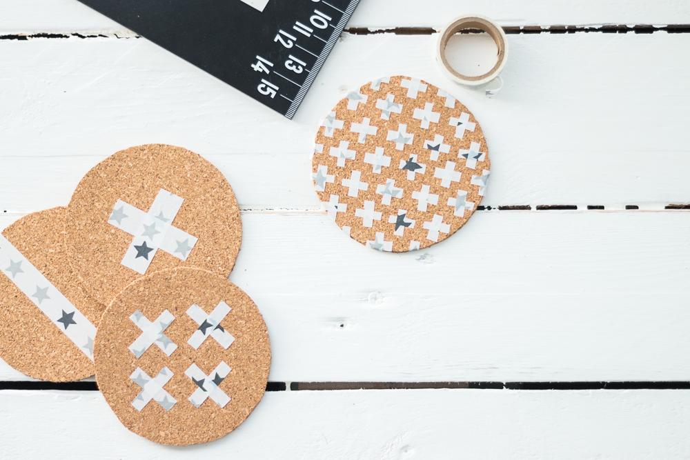 DIY Cork Coasters | Sandramarias.com