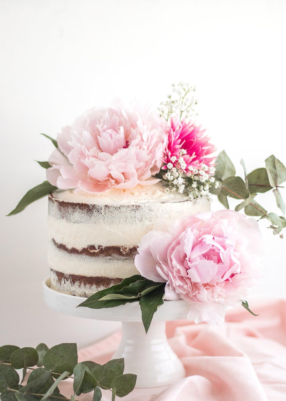 Seminaken kaka | Färska blommor som tårtdekoration | Recept | Sandramarias.com