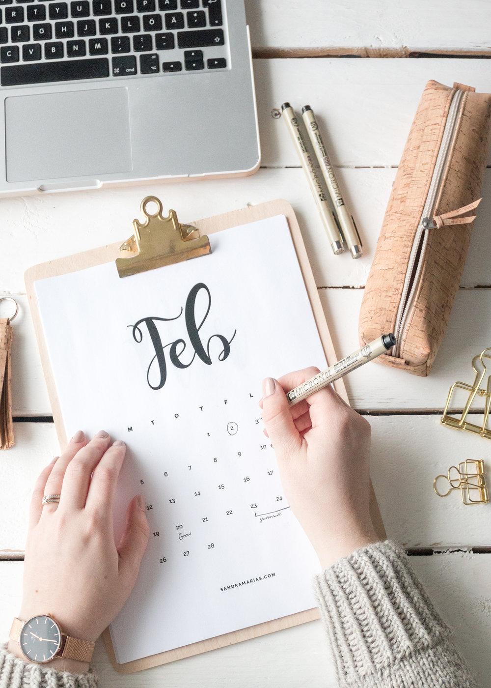 Hello February   The Corky Pencilcase   Free Calendar 2018 by Sandramaria   Sandramarias.com