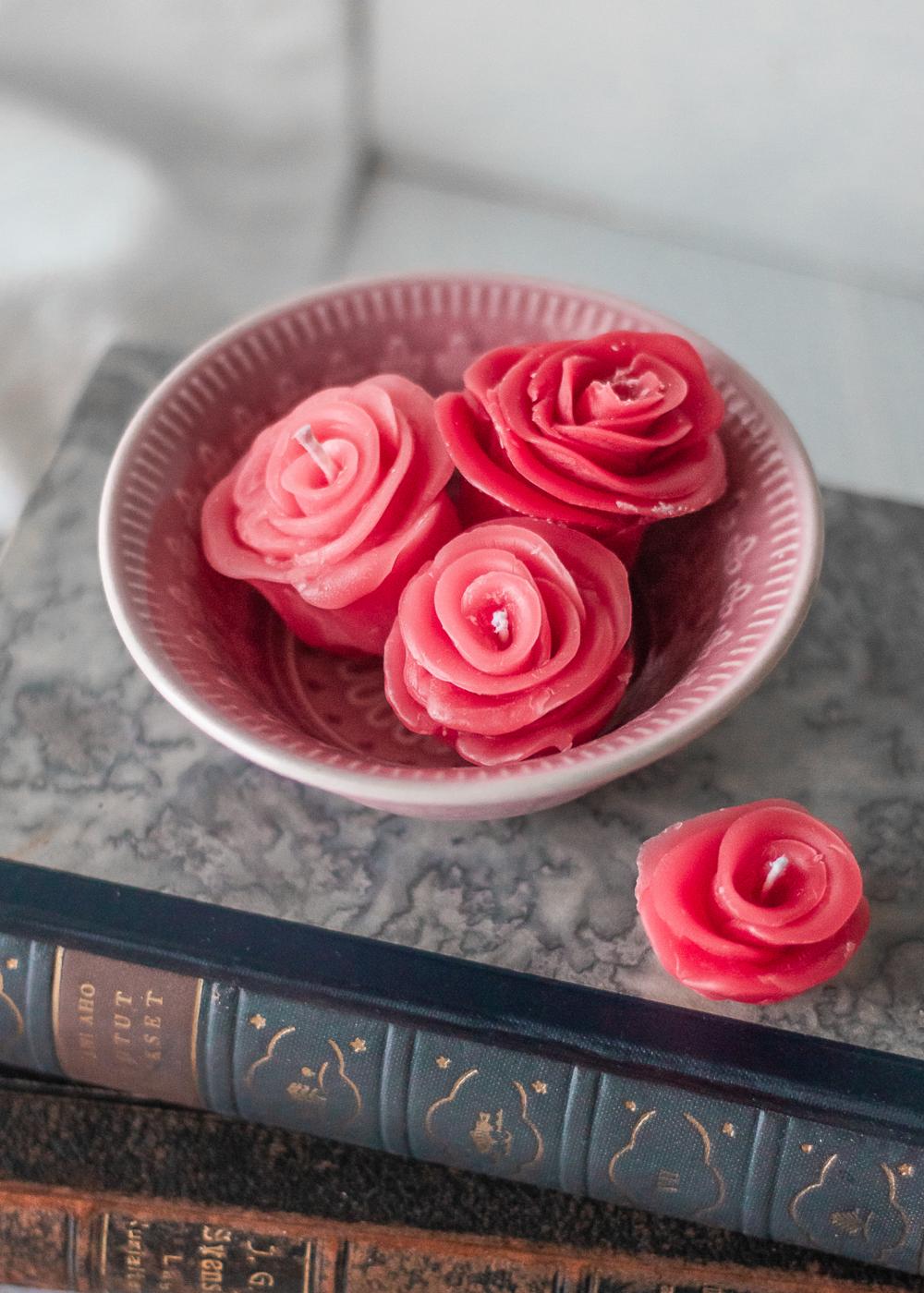 DIY Rosljus / Forma rosor av ljus / By Sandramaria / Sandramarias.com