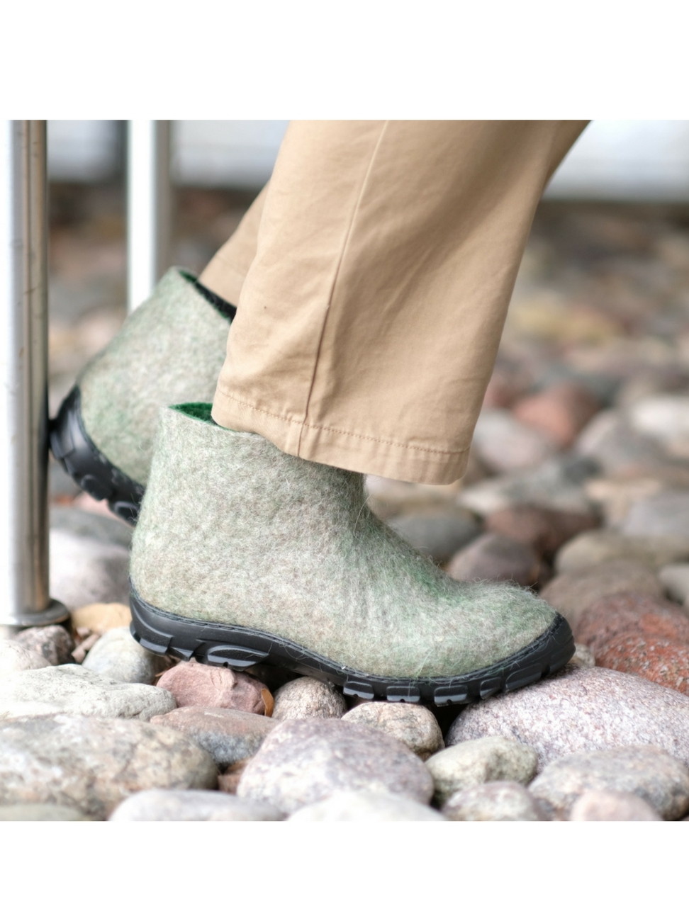 Men's Natural Wool Ankle Boots Winter Moss - FELT FORMA 6.jpg
