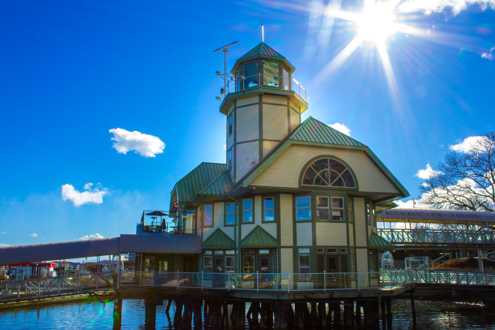 Lighthouse Bistro & Pub     Copyright © Afro Boy Productions. All rights reserved.