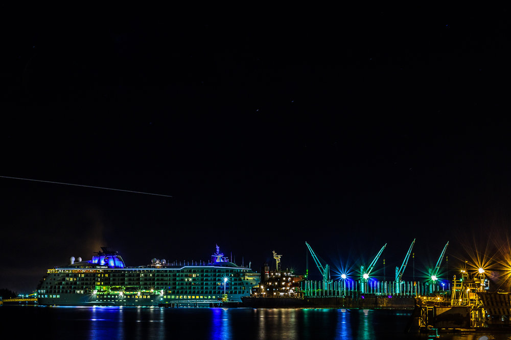 """The """"World"""" Cruise Ship     Copyright © Afro Boy Productions. All rights reserved."""