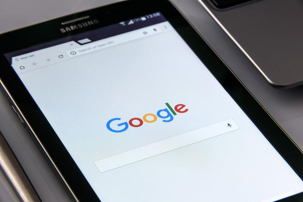 google-on-your-smartphone-1796337_1920.jpg