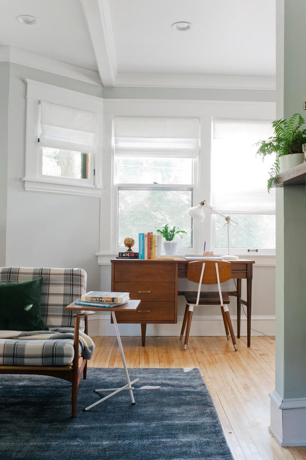 Emily-Henderson-Curbly_livingroom10.jpg