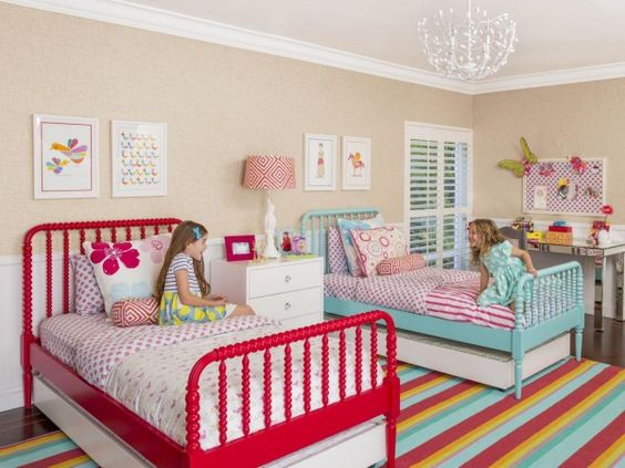 Beach Pretty House Style:  Darling Girl Bedrooms for Two  Source