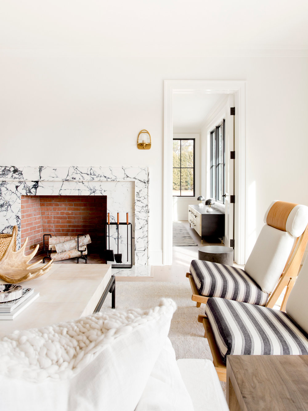 Beach Pretty House Tours:  05-hedges-lane-sagaponack-tamara-magel-dpages.jpg