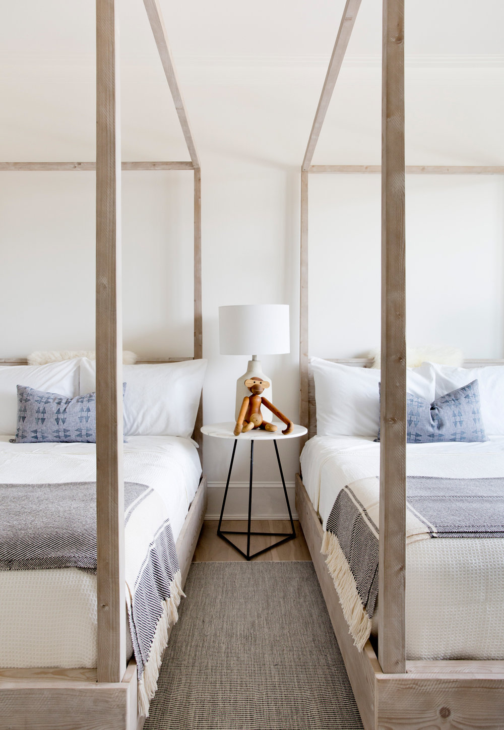 Beach Pretty House Tours:  12-hedges-lane-sagaponack-tamara-magel-dpages.jpg