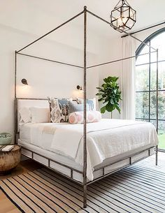 Beach Pretty-Therasa Rowe Guest Bedroom.jpg