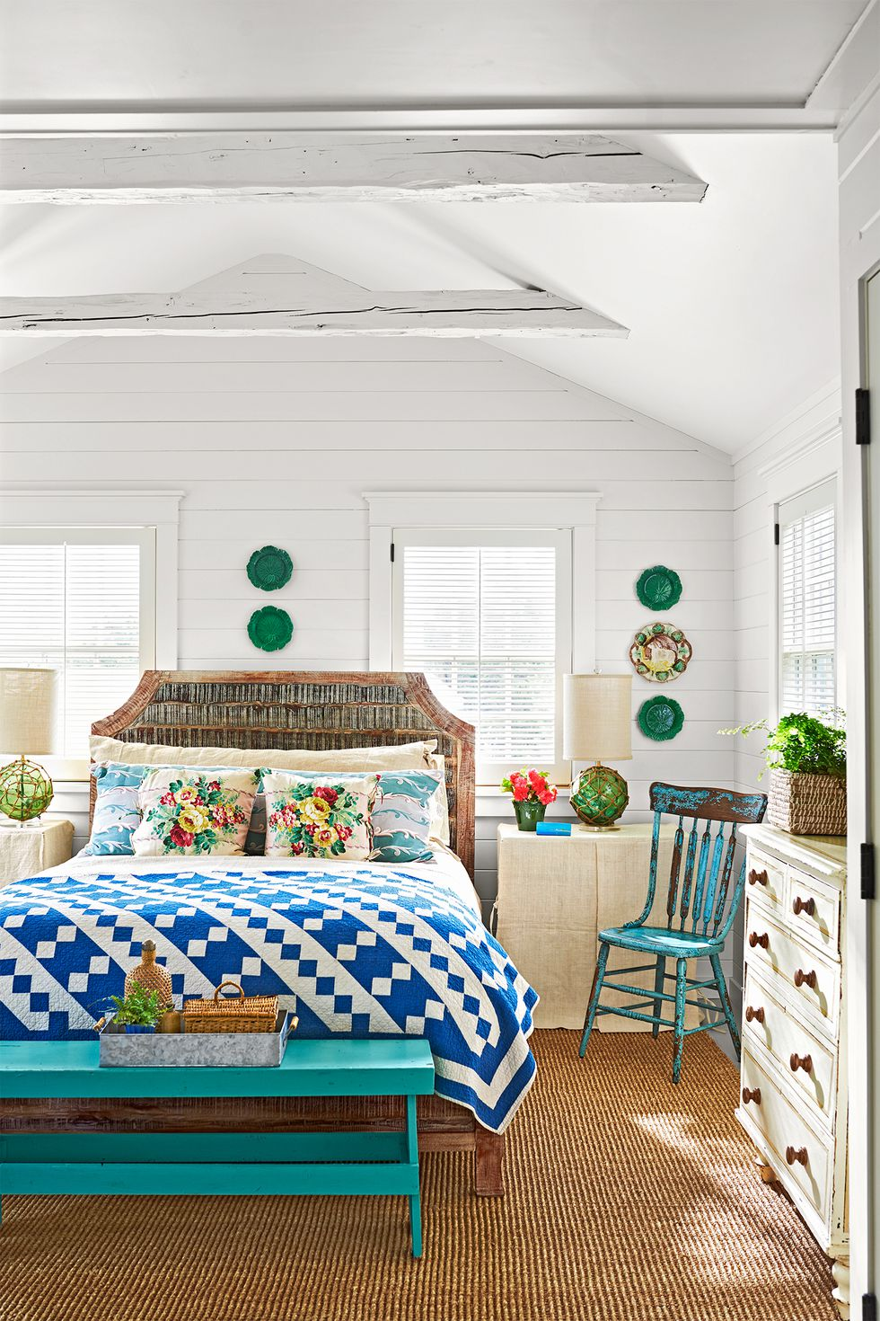 Beach Pretty House Tours-A Funky Quaint Beach Cottage on Marthas Vineyard 7.jpg