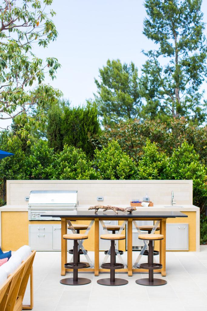 Beach Pretty House Tours-A Sick California Beach House 46.jpg