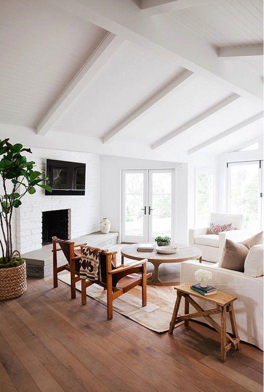 White Couch|Mid-Century Modern