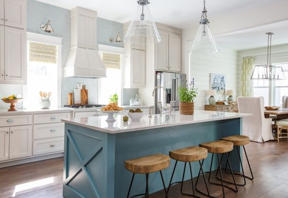 Kitchen Inspiration-Obsessing Over Beautiful Pops of Color in These Beautiful Kitchens 6.jpg