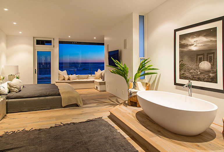 Beach Houses by LA Interior Desiger Alexander Design 7.jpg
