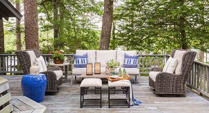 This is How to Dress A Outdoor Living Area…. Bright and Pretty Pillows, Lots of Comfortable Seating, Colorful Plants, Outdoor Candles and a Soft Throws…so Inviting.