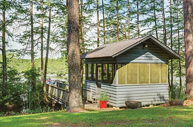 Three Beautiful Lakeside Cabins 55.jpg