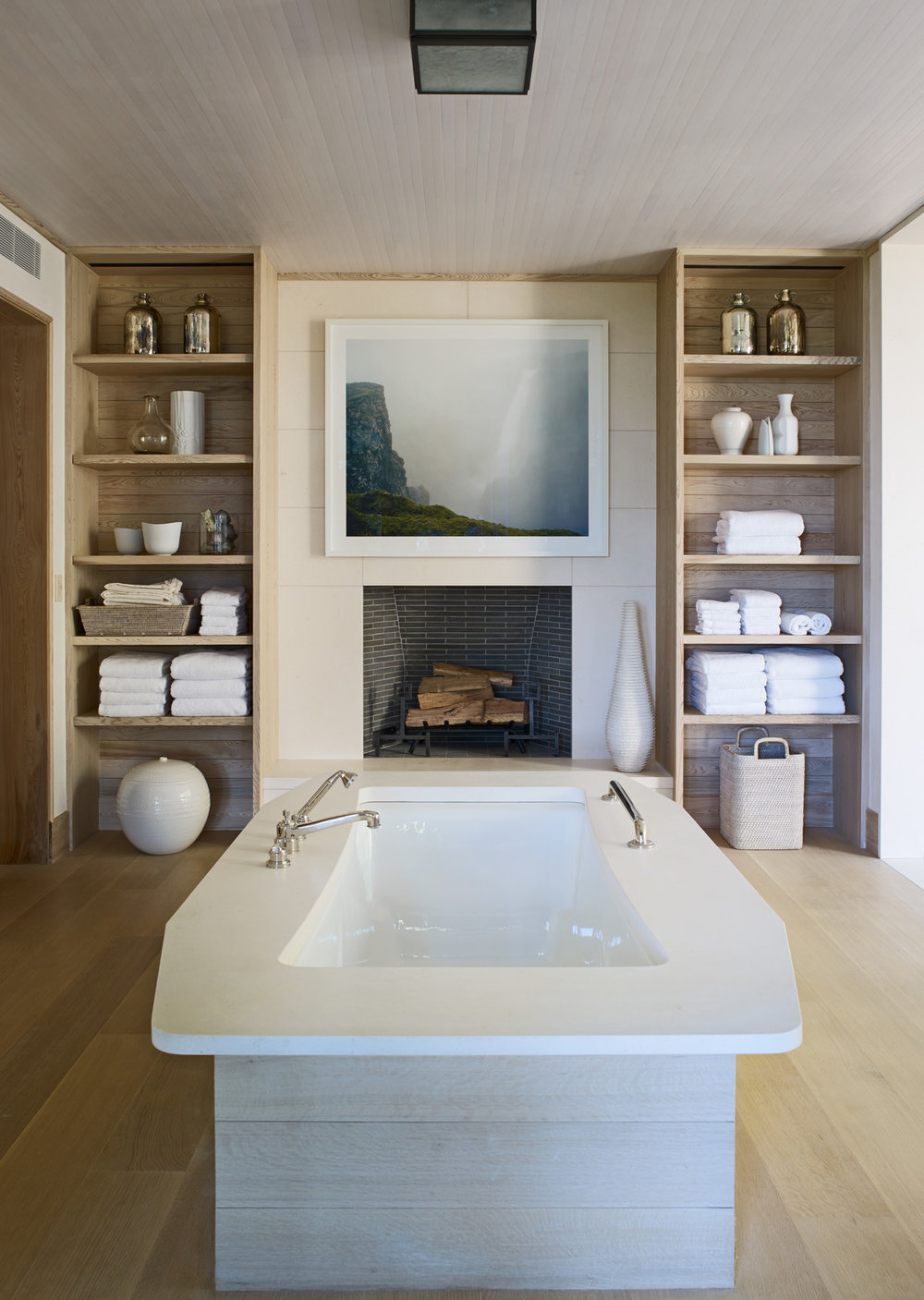 House Tours-Be Inspired by these Two Flawless Beach Houses 10.jpg