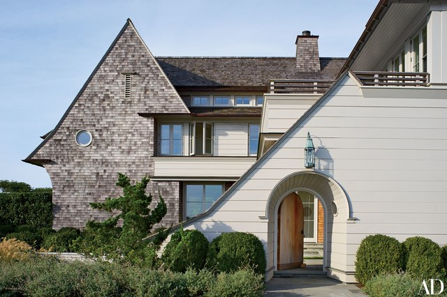 House Tours-Be Inspired by these Two Flawless Beach Houses 17.jpg