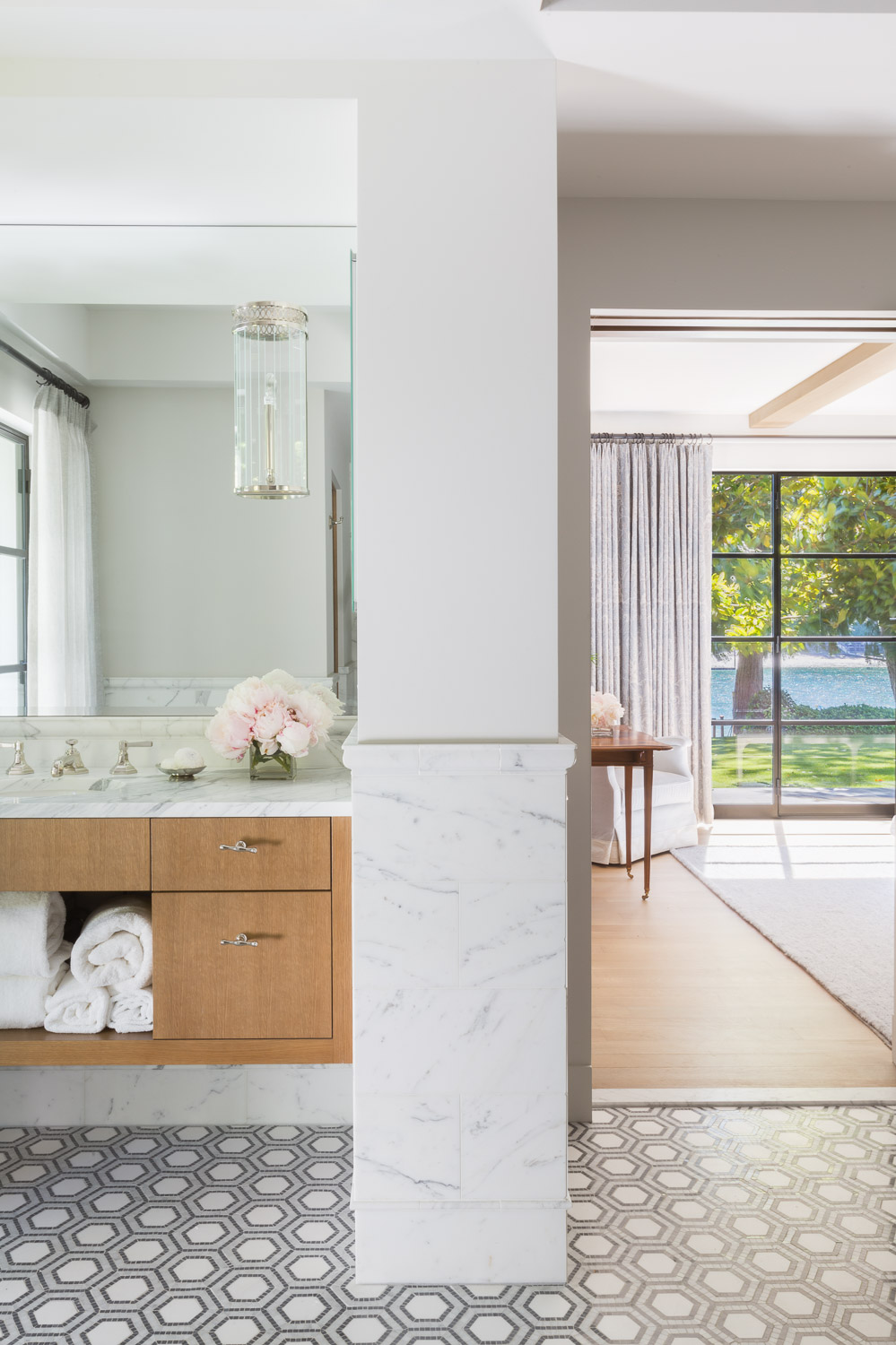 This Designer Created a Bainbridge Island Home that Flows with a Beautiful Timeless Sophistication  5.jpg
