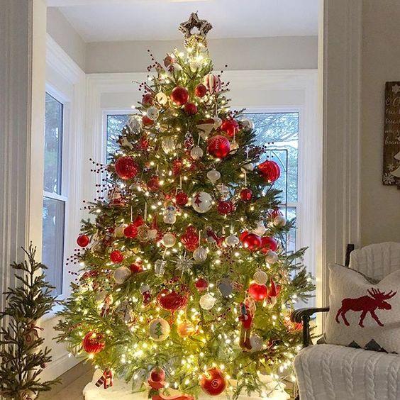 Rocking around the Christmas tree… Via