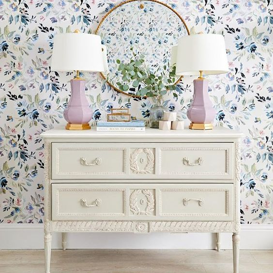 This Vienna Floral Wallpaper has our heart a flutter… via  Lamps  here . Mirror  here .