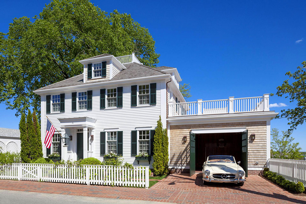 House Tour-A Classic Beauty on Pituresque Cape Cod 2.jpg