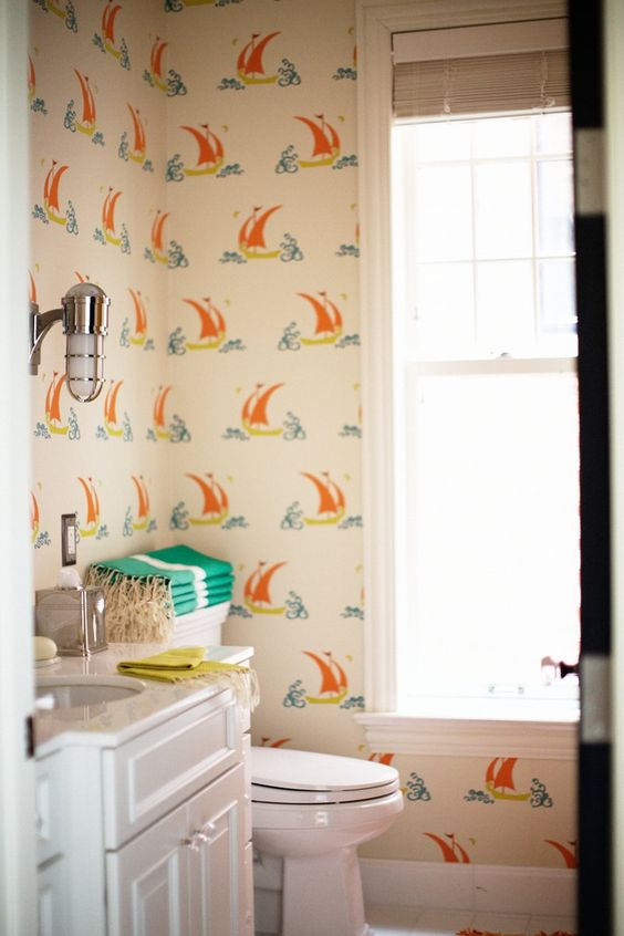 The Most Beautiful Wallpapered Bathrooms 13.jpg