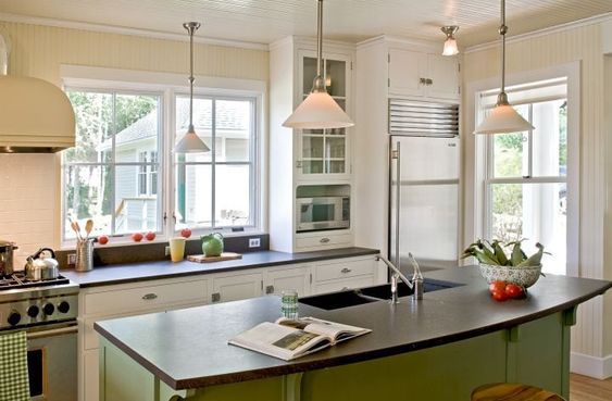 House Tour-Cottage Envy in Boothbay Harbor, Maine 7.jpg