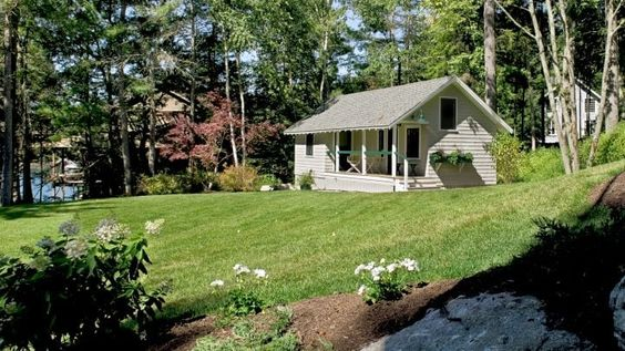 House Tour-Cottage Envy in Boothbay Harbor, Maine 18.jpg