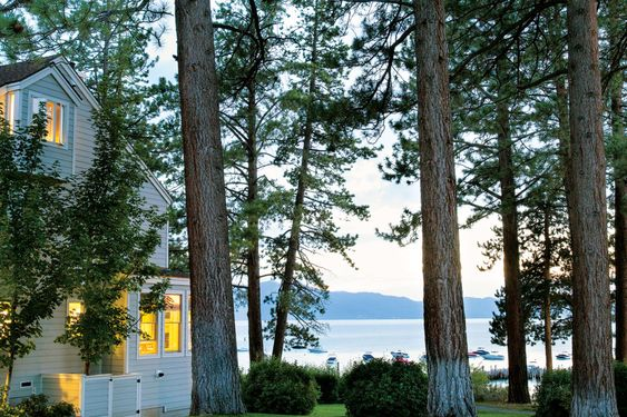 House Tour-Cottage Envy in Boothbay Harbor, Maine 22.jpg