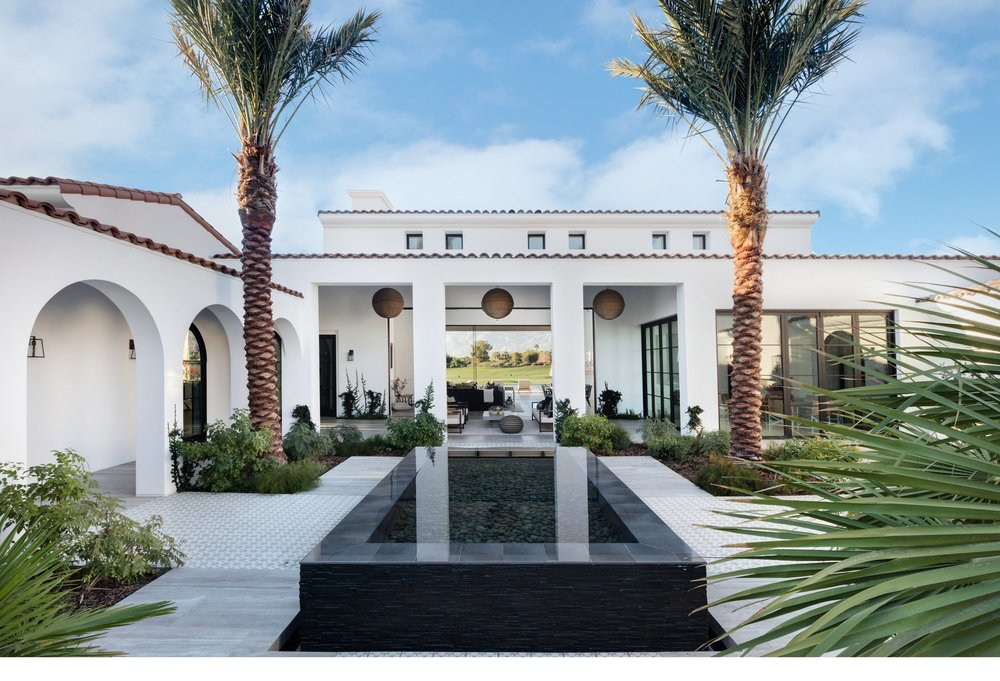 House Tour-A Spectacular Home That Has us Starstruck 4.jpg