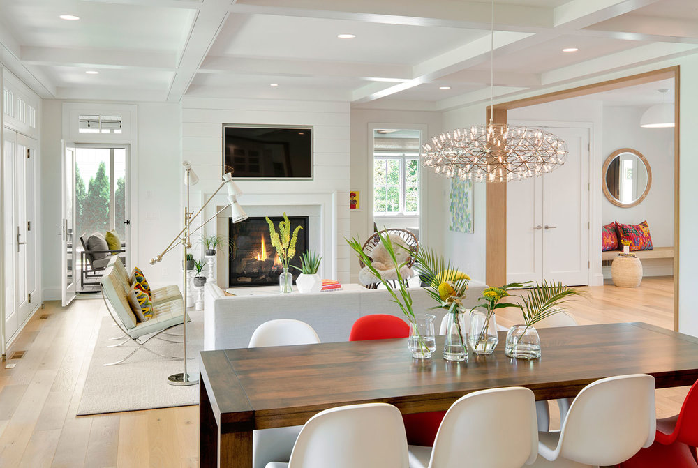 House Tour-Lucy's Simply Nordic Waterfront Home Is So Perfect 10.jpg
