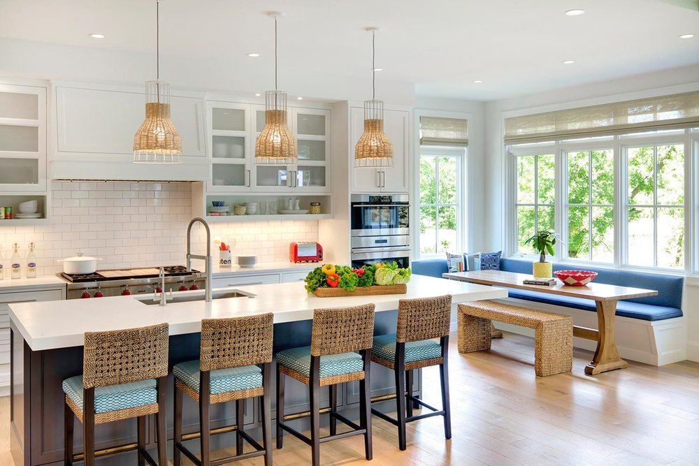 House Tour-Lucy's Simply Nordic Waterfront Home Is So Perfect 13.jpg