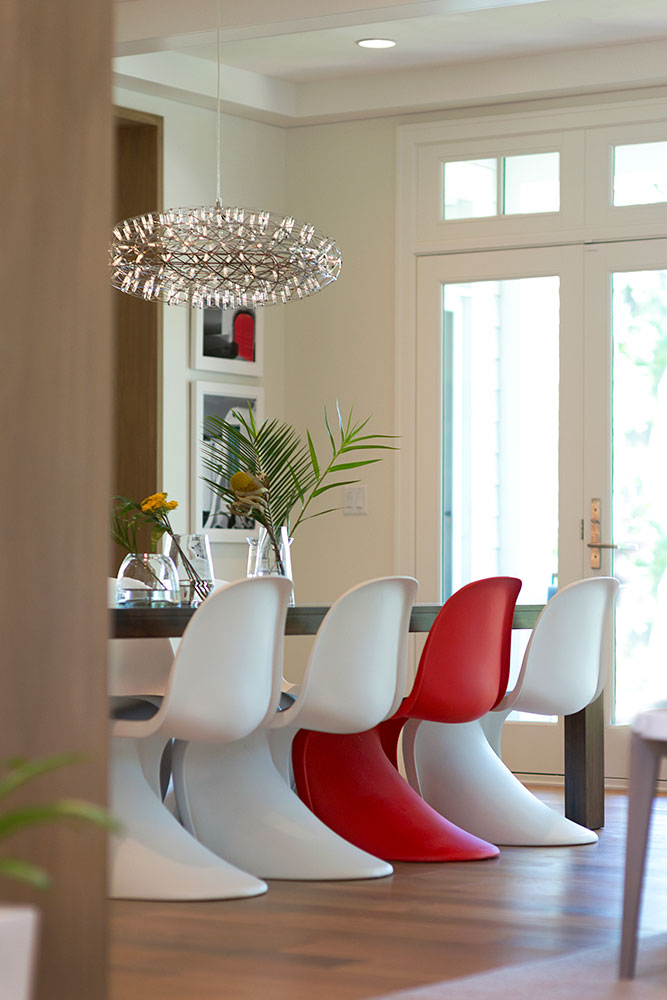House Tour-Lucy's Simply Nordic Waterfront Home Is So Perfect 12.jpg