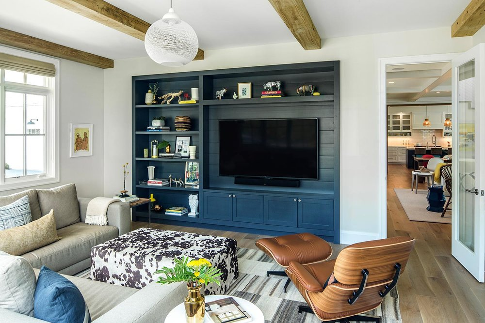 House Tour-Lucy's Simply Nordic Waterfront Home Is So Perfect 15.jpg