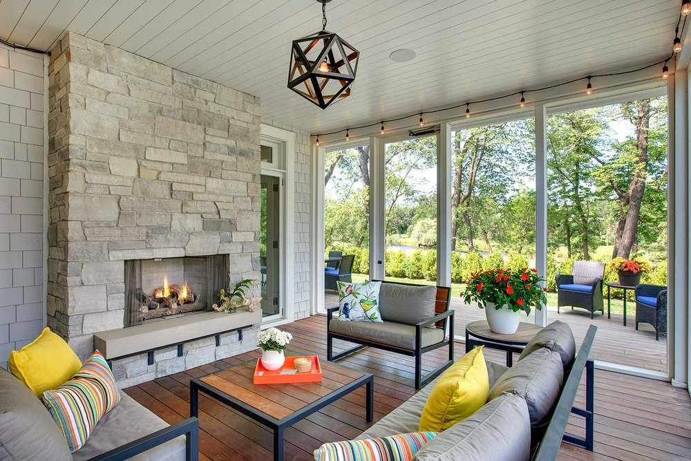 House Tour-Lucy's Simply Nordic Waterfront Home Is So Perfect 18.jpg