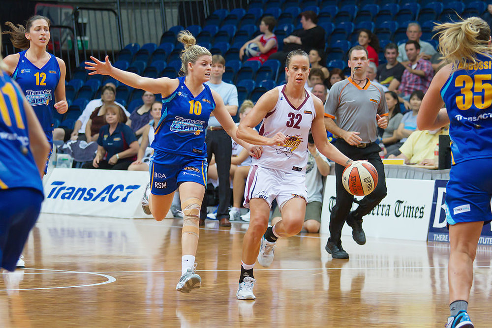 Kristen Veal in action at the AIS training hall during her 300 game WNBL career (Photo: JJ Harrison)