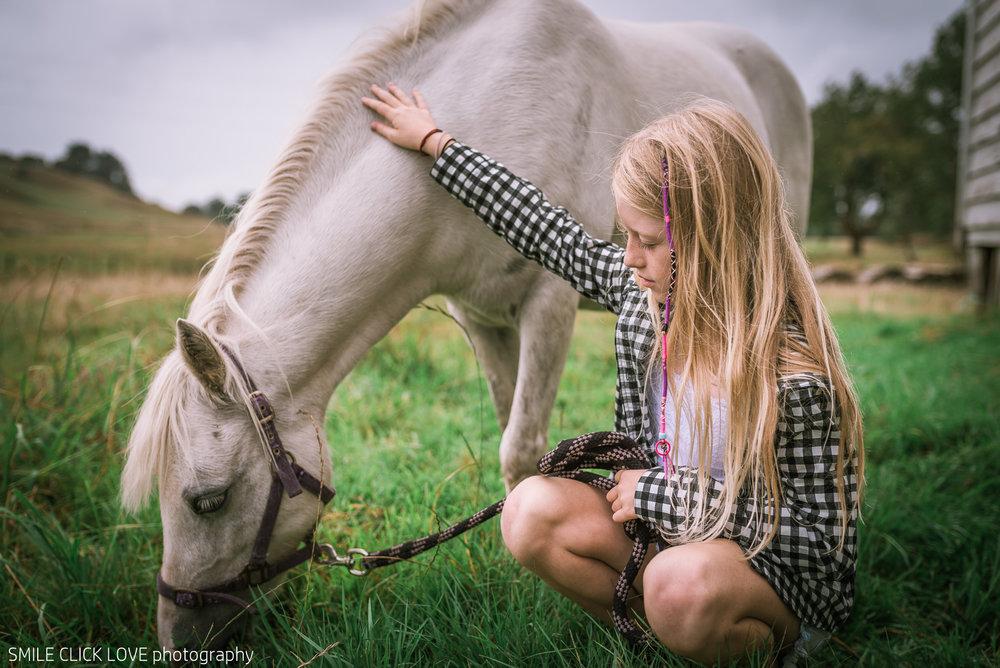 Family photos Farm and Pony-6.jpg