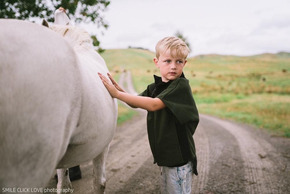 Family photos Farm and Pony-10.jpg